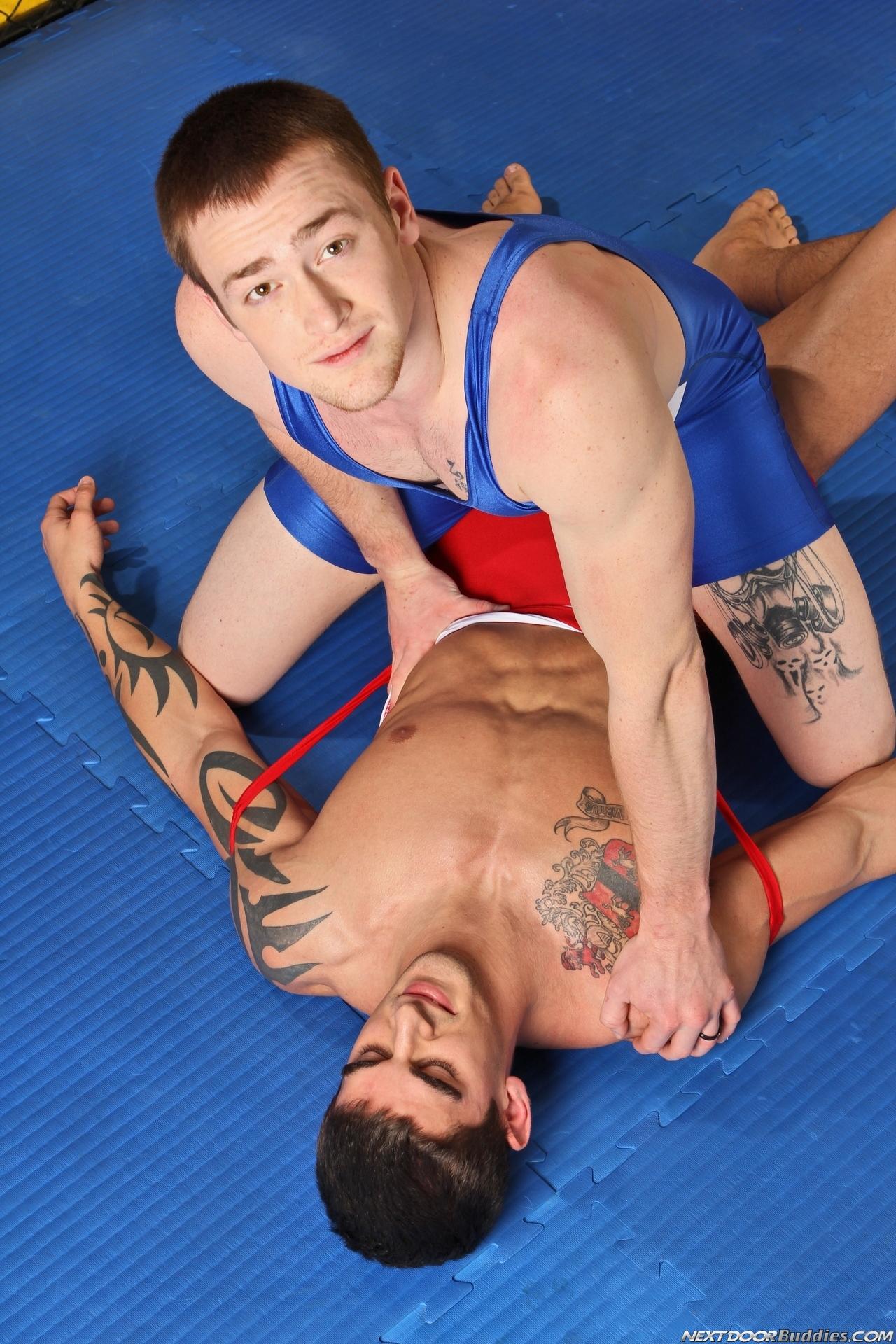 Борцы геи онлайн фото 13-566