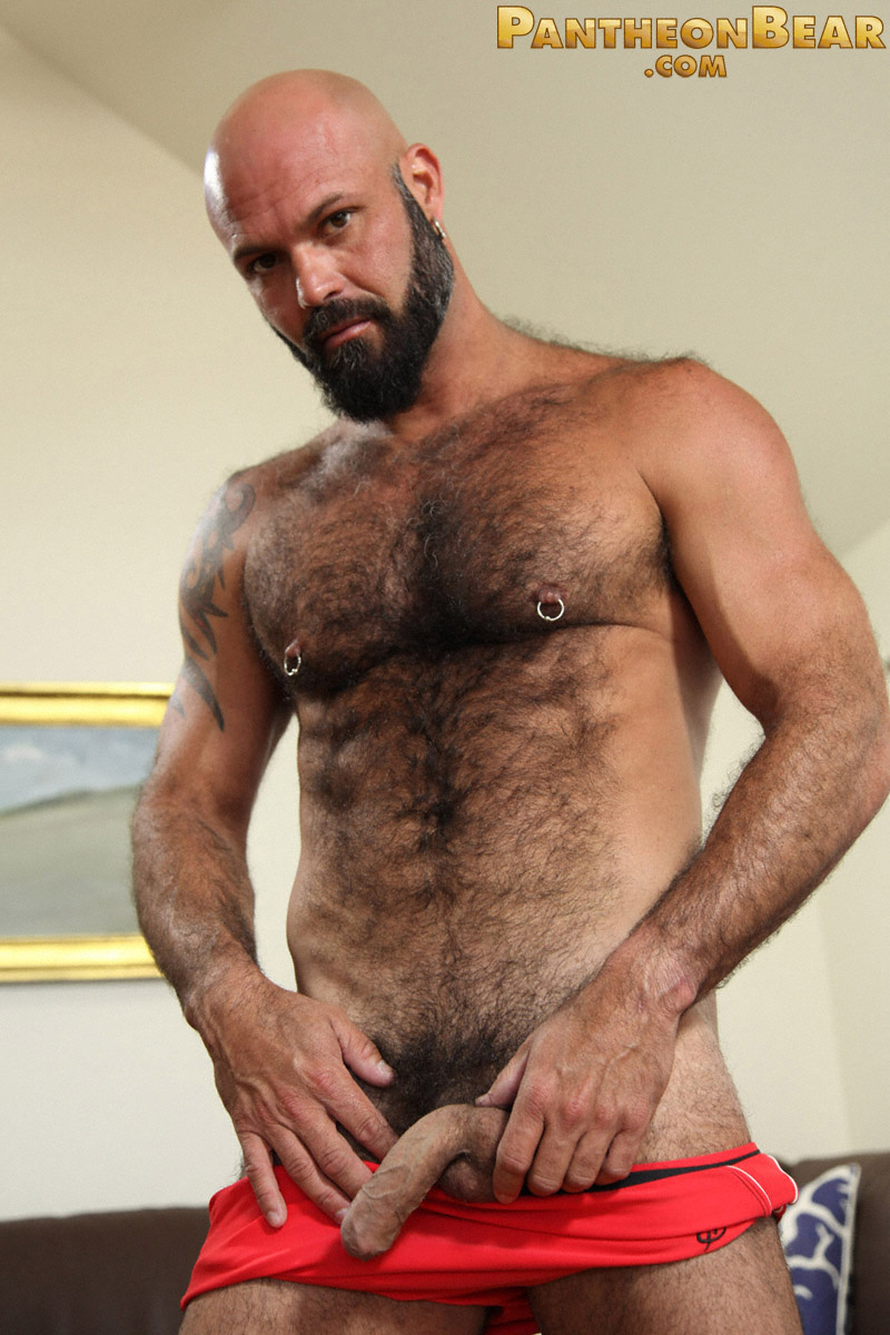 Strong Gay Bear With Terrific Body