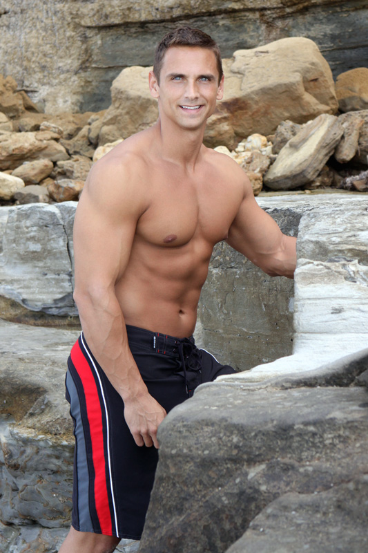 Muscle hunk Sam jacking off