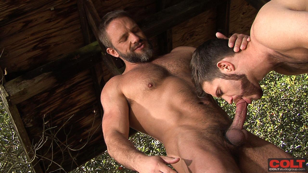 порно видео бородатый насаживают
