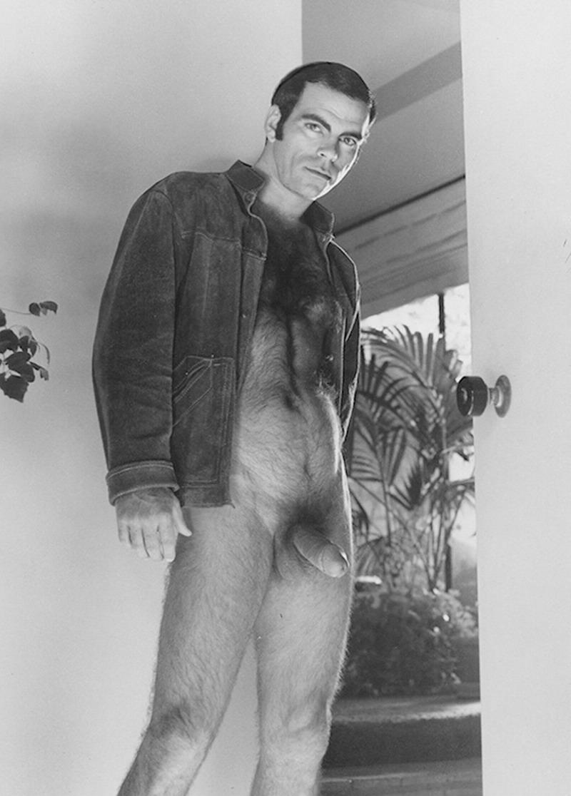 Xyz men naked but