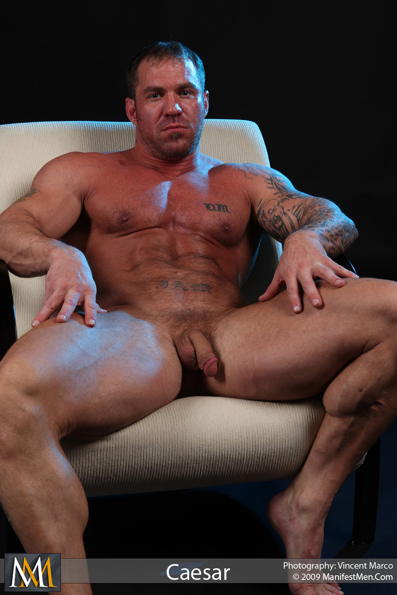 Men solo muscle gay